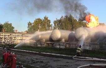 «Один из газовых резервуаров взорвался». В Казани введен режим ЧС