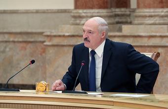 «Спокойная, тихая страна». Лукашенко обвинил москвичей в росте цен на квартиры в Минске