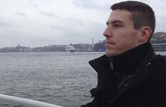 Военного эксперта Владимира Неелова приговорили к семи годам колонии строгого режима за госизмену