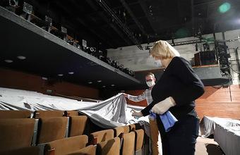 Частные театры, пострадавшие из-за пандемии, получат господдержку