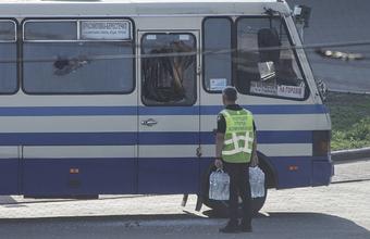 Захват заложников в украинском Луцке завершился освобождением пленников и задержанием террориста
