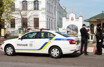 Захватчик из Полтавы отпустил полицейского из заложников
