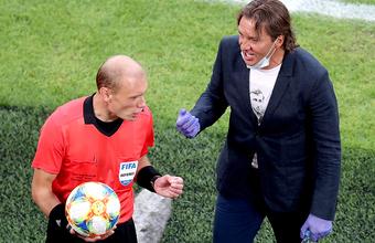 Первое увольнение в новом сезоне российского футбола. Главный тренер клуба «Химки» покидает пост