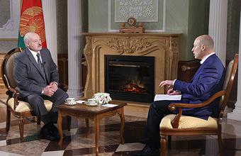 Интервью Лукашенко Гордону: о «старшем брате» Путине, «волчице» Меркель, прощении Януковича и выборах