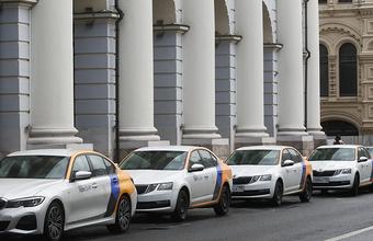 Дептранс предложил отменить льготы на парковку для каршеринга на некоторых улицах Москвы