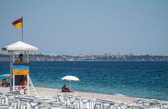 «Все бурлит, все шумит, люди радостные». Как Турция встречает российских туристов?