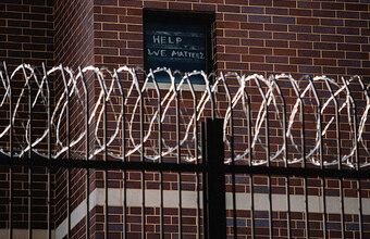 Заключенные в Калифорнии провернули крупнейшую мошенническую схему