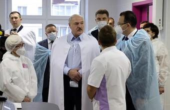 Лукашенко пообещал уйти с поста президента при новой конституции. Насколько вероятно ее принятие?