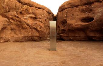 Инопланетяне или арт-инсталляция? В мире нашли еще один монолит как из «Космической одиссеи»