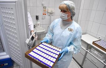 Собянин объявил о начале вакцинации от коронавируса. Какие вопросы остаются по процедуре?