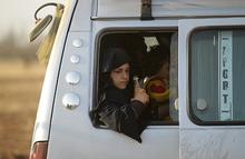 «Такого количества света они не видели никогда». Как выводили женщин и детей из Алеппо