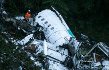 Последние переговоры экипажа разбившегося в Колумбии самолета