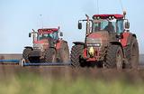 Драка и порезанные колеса. Кто встает на пути тракторного марша в Москву