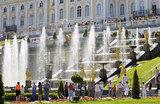 Петербург поднимает цены и отсеивает китайских туристов