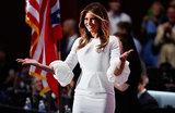 Мелания как предчувствие: самые яркие инаугурационные наряды первых леди США