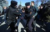 Антикоррупционный митинг на Тверской: свыше 500 задержанных, в том числе Навальный