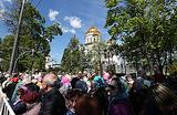 Москва выстроилась в очередь к мощам Николая Чудотворца