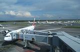 Удорожание услуг аэропортов: кто заплатит — перевозчики или пассажиры?