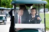 Обзор инопрессы. Макрон и Путин стремятся к перезагрузке отношений
