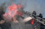 В Москве загорелась пятиэтажка на Земляном Валу