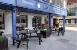 Новая волна сноса сметет известные бары и кафе