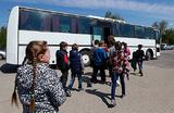 Власти заговорили о запрете перевозить детей «старыми» европейскими автобусами. Туроператоры — о лобби
