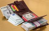 Живущим за границей россиянам дадут валютную свободу