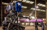 Гигантский робот Eagle Prime от компании MegaBots Inc. в Беркли, Калифорния, США.