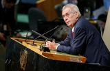 «Земан известен тем, что питает симпатию к Кремлю». Официальный визит президента Чехии
