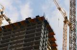 Долевое строительство пока не отменят, но надзор усилят