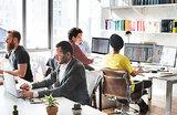 Треть офисных сотрудников работают, когда и где хотят