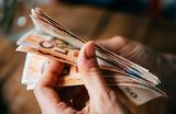 Когда лучше покупать евро на майские?