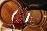 Бокал сухого красного в день: новое исследование о вреде вина
