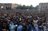 «Бархатная революция» в Армении: борьба за власть ужесточается