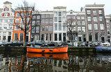 Война с Airbnb и «пивными велосипедами». Амстердам устал от пьяных туристов