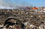 На загоревшемся мусорном полигоне в Подмосковье ввели режим ЧС