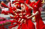 Фестиваль раков в Хуайане, Китай.