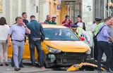 Резонансное ДТП во время чемпионата: таксисты работают без сна и путают педали
