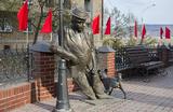 Селфи с памятником: десять необычных скульптур России