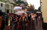 Участники «Марша матерей» перекрыли улицу у Верховного суда