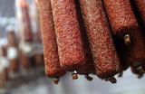 Хотите, чтобы колбаса была из мяса, поднимите цены на продукцию