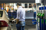 Нефтяники просят 200 млрд на бензин