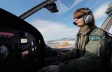 Пилотессы и дальнобойщицы? Минтруда позволит женщинам осваивать мужские профессии