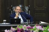 Зачем премьер Армении Пашинян подал в отставку?