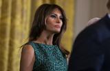 Белый дом уволил помощницу Болтона из-за конфликта с Меланией Трамп