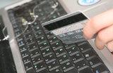 Онлайн-платежи под особым контролем