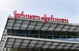 Асбест в детской присыпке обрушил Johnson & Johnson почти на $40 млрд