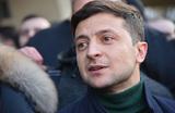 Зеленский — лидер президентской гонки на Украине. Но есть ли у него шансы на выборах?