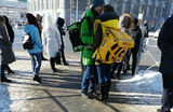 Курьер Delivery Club с вирусной фотографии рассказал историю любви с девушкой из «Яндекс.Еды»