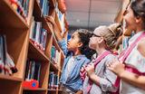 Вне библиотеки: в Каталонии признали гендерно неправильными «Спящую красавицу» и «Красную Шапочку»
